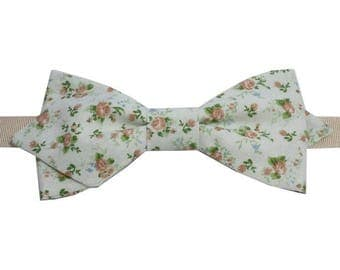Green liberty bowtie with straight edges