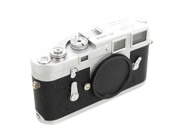Leica M3 #910xxx -Vintage 1957 Rangefinder camera -Mint