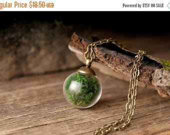 20% OFF Real moss necklace, nature necklace, green necklace, tiny necklace, moss pendant, antique brass necklace, glass vial necklace, glass
