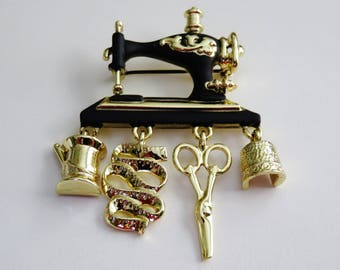 Rare AJC Vintage Sewing Machine With Four Dangling Notions Brooch Pin/ HTF