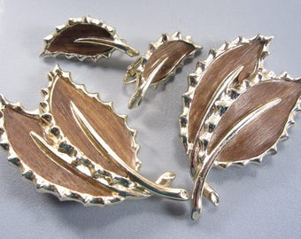 Early Sarah Coventry Brown Leaf Brooch Earring Jewelry Set 60s