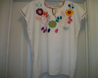 Vintage 70s MEXICAN HIPPIE BOHO Embroidered Cotton Muslin Blouse, w Colors, As- Is, Lg