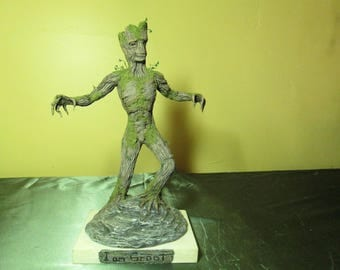 Tree man sculpture of Groot