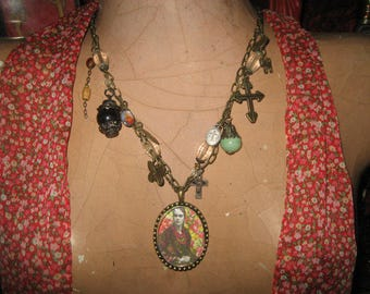 Mexican Artist Frida Kahlo Pendant/Necklace Jewellery