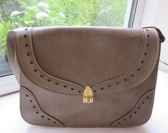Vintage 1960's Olive Green Handbag MADE IN BRITAIN, Style Called 'Janette, Slinky' - Cute!!