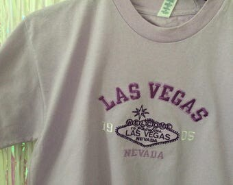 Welcome to Las Vegas light purple embroidered tee t shirt L