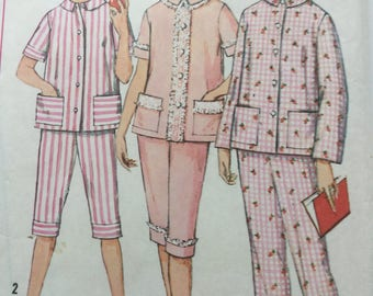 "1960s vintage pyjamas sewing pattern, Simplicity 4006, nightwear pattern, large size 20, 40"" bust"