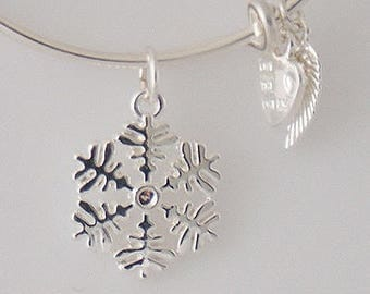 AA0024B Wire Charm Bracelet ~ Faceted Snowflake Adjustable Wire Bracelet w Angel Wing & Heart Metal Charms