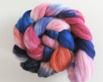 merino nylon,Morning Sky-Morgenhimmel,top, handpainted fiber for spinning,ca.3,5oz