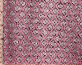 """Pink and White Flower Lace Fabric 4 Way Stretch Nylon Rayon 68-70"""" 153731"""
