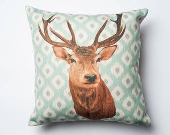 Reindeer cushion cover - Decorative Pillow Covers - Throw Pillow Covers - Cushion Covers - Pillows - Sofa Pillows - Bedding
