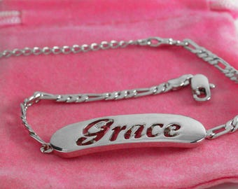 "Name Bracelet GRACE- Personalised Bracelet. 10"" Figaro Chain with Gift Box and Gift Bag."