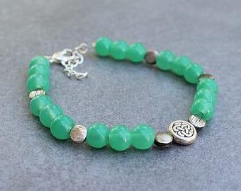 Green Bead Bracelet, Green Bracelet, Flower Bracelet, Irish Bracelet, Green and Silver Bracelet, Aventurine Bracelet, Green Beaded Bracelet