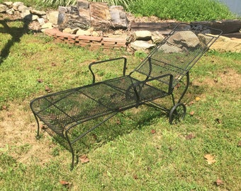Fab Vintage Original Wrought Iron Woodard Flower Pattern Patio Chair Lounger