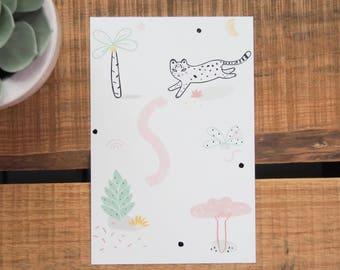 Carte postale recyclée - Panthère de l'amour - Illustration / Été/  Nature - Tropical - Jungle / Vert menthe - Jaune moutarde - pastel