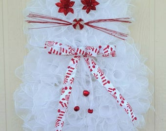 White Deco Mesh Kitty Christmas Wreath