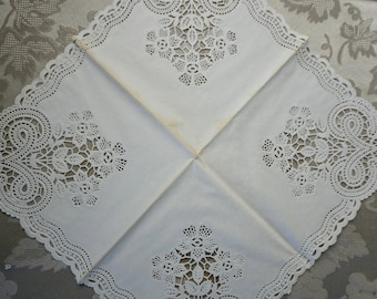 Vintage Paper Napkin, 36 Piece Set, FREE Shipping, Ephemera, Devon Lace, Made in England, White Lace Dinner Napkin, Paper Doilies, Scallop