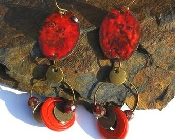 Boucles d'oreille émaillées sur cuivre, bijou rouge émail émaux bohème bronze verre turc tchèque rustique gipsy boho chic ooak