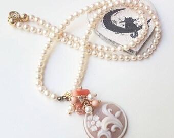 Cameo necklace arabesques