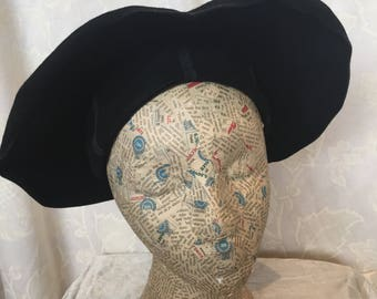 Late 40s original Black felt Dinner Plate Hat