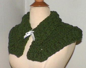 On Sale- Cape Outlander Inspired Claire Capelet Green Scarf Collar Highland Clothing Cowl Crochet  Mini Cape