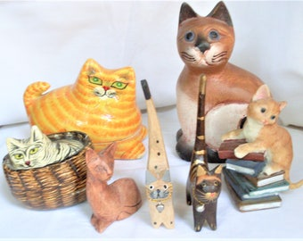gruppo di gatti da collezione,  group of collectible cats, 6 cats of wood and 1 resin, cat collection for cat lovers, 2 cats open like a box
