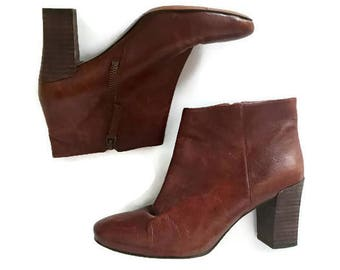 Vintage Brown Leather Ankle Boots Zip Up Booties BOHO 90s Nine West Chunky boots western booties womens size 6