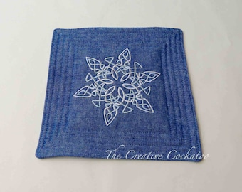 embroidered coaster / candle mat, Celtic snowflake, winter mug rug, quilted coaster, table protection, machine embroidery