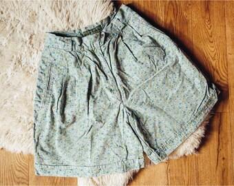 80s 90s Floral Shorts   Vintage Shorts   Pastel Green Shorts   High Waist Shorts   Green Denim Shorts - Size M Medium