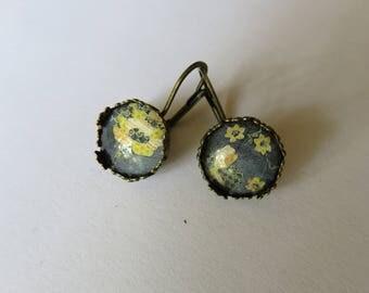 Earrings lace flower woven yellow & grey