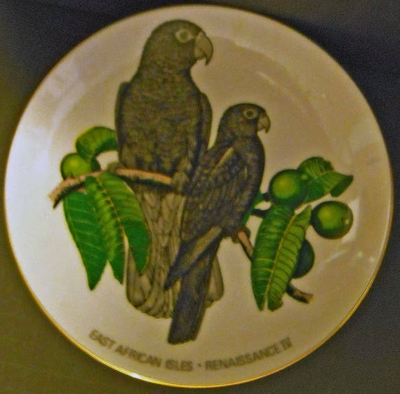 Vasa Parrot Limited Edition Collector Ivory China Plate - East African isles - Renaissance IV