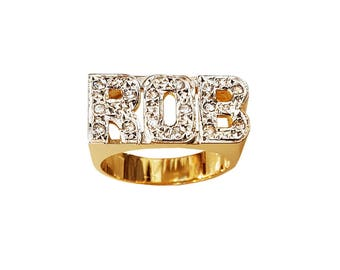 Lee127d-10K 8.5mm 10K Gold Block Letter Name Ring w/ 15 Diamond