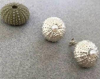 Handmade 925 sterling silver earrings with 2 pearls in each pair.