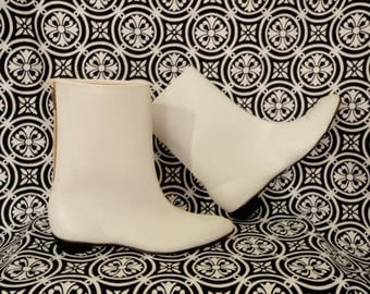60s Mod Go Go Boots/ White Ankle Boots/ Back Zipper