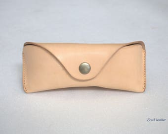 Glasses case for Ray Ban Aviators Sunglasses case  Veg tan un dyed leather Handmade by Celyfos®