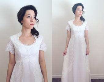 Vintage 1970s Lace Short Sleeve Wedding Dress   Vintage 70s Lace Wedding Gown Size Small