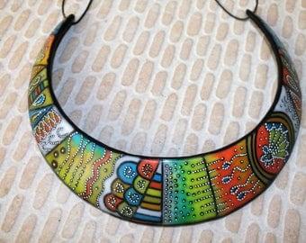 A gaudy colors torque necklace