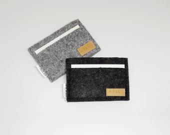 Minimalist felt wallet