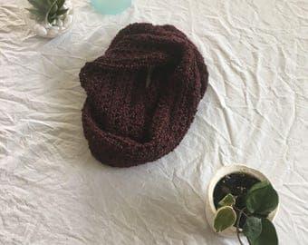Bulky maroon scarf