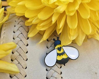 bumble bee enamel pin