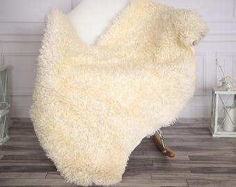 Gotland Sheepskin Rug | Curly fur Rug | Curly Sheepskin Rug | Curly Sheepskin | Christmas Decor | GOTNOVHER25