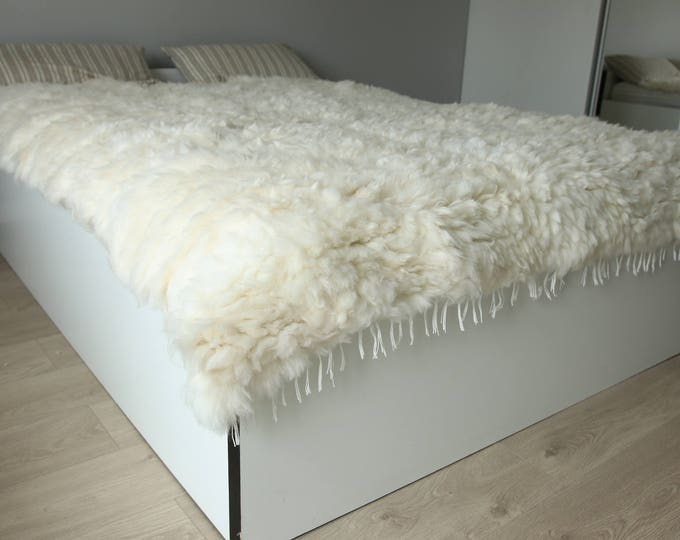 Exclusive Genuine Unique WOVEN Lamb Sheepskin, Lambskin Rug, Pelt, Throw, Blanket Giant Extra Large -Creamy White