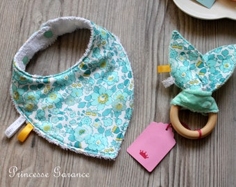 Birth * Mini baby box, Liberty Betsy Mint, bandana bib, rattle bunny ears, Montessori - in stock