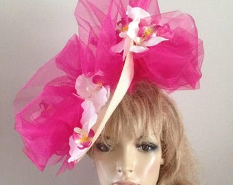 Medium saucer with an upturned brim detail embellished with hotpink silken crin ruffles and a scattering of silken orchids