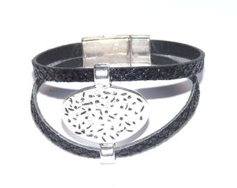 Glittery black leather Cuff Bracelet and hammered the silver centerpiece
