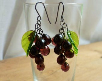 Purple grape earrings, 30's, 40's inspired lampwork fruit earrings, glass grapes.