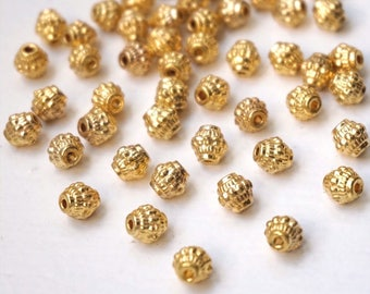 10 Indian gold patterned diamond beads. : 8 mm