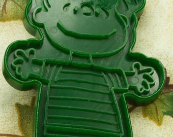 1970's Collectable Green Plastic Hallmark Linus Cookie Cutter By United Feature Syndicate, Inc.