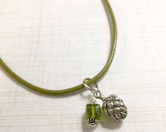 Beer Hop Leather Cord Necklace; Beer Jewelry, Craft Beer Lover; Beer gift, Gifts for Women, Green Crystal, Christmas gift, Charm necklace