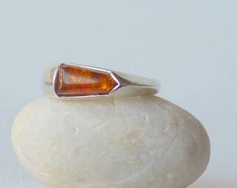 Vintage Sterling Silver Amber Ring, Gold Baltic Amber 925 Band Ring, Size 8, Small Stackable Unique Ring Size 8,Brown Amber Retro Ring 70's